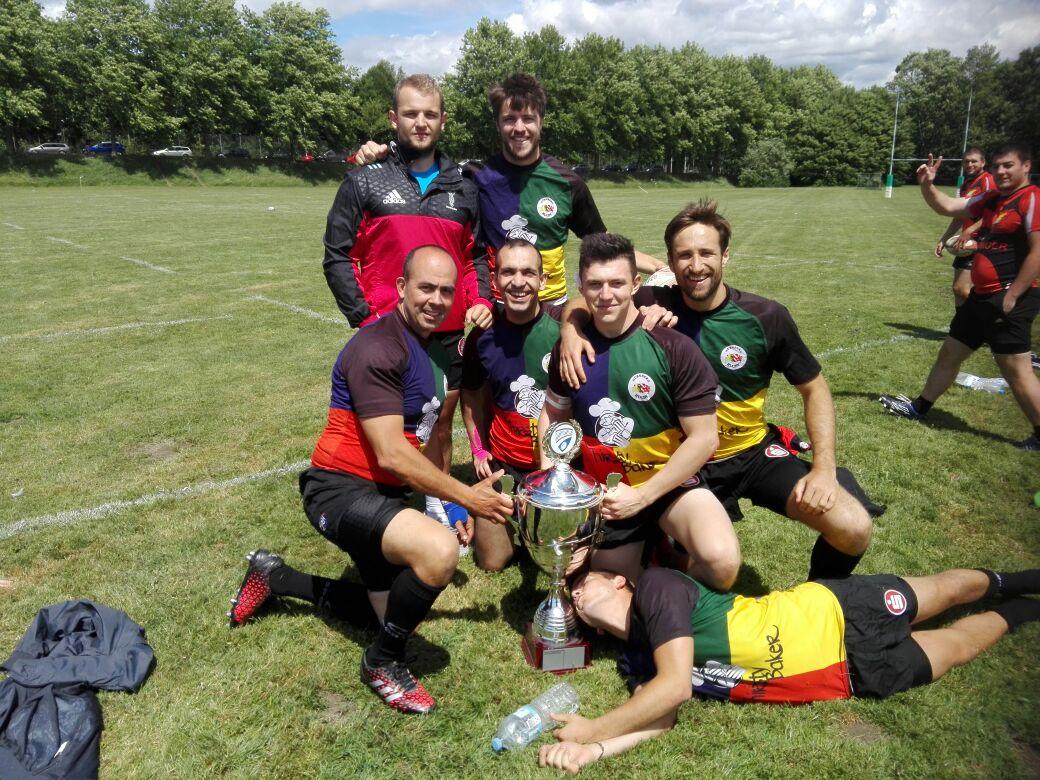 Da isser endlich – 46er erhalten endlich Pokal für Bayerische Rugby Meisterschaft